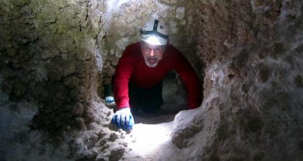 cave100