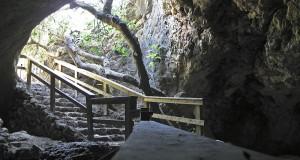 cave24